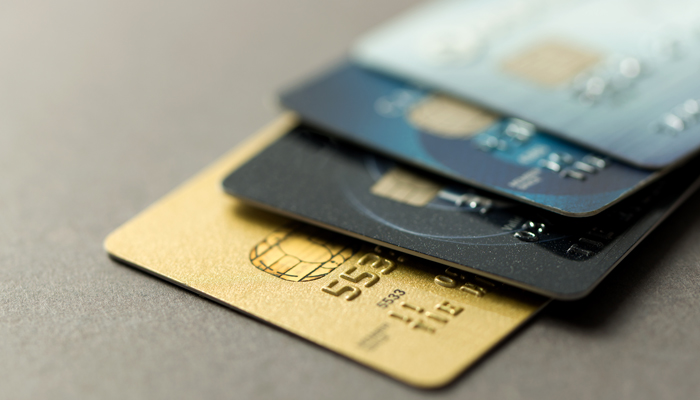 Should I only make the minimum payment on my credit card?